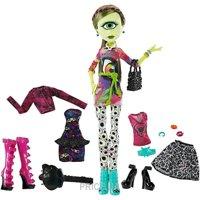Фото Mattel Monster High Айрис Клопс с набором одежды (CKD73)