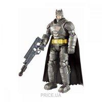 Фото Mattel Фигурка Бэтмен вооруженный из фильма Бэтмен против Супермена (DJG32)